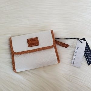 Dooney & Bourke Pebble Leather Wallet White NWT